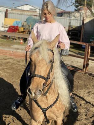 2021 Horseriding · By: Scarlett Archer
