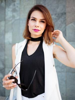 2016 JOY-F&F blogger Competition · By: Vivien Arato