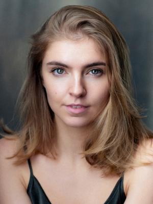 2021 Anna Barrowman Headshot · By: Kim Hardy