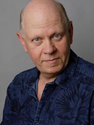 Robert J Clayton