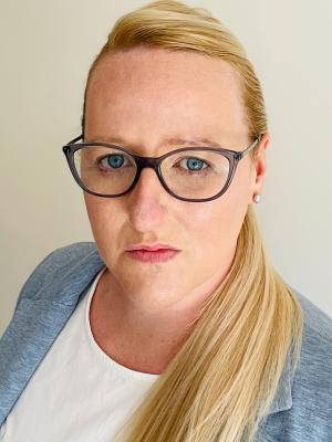 2021 Headshot 3: Liane Grant · By: Liane Grant