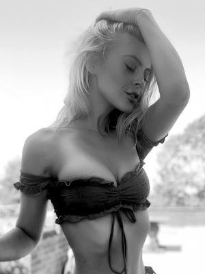 2021 Modelling shot · By: Scarlett Archer