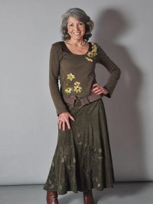 2012 Janie Wellborne · By: Sue Odell