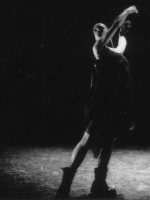 1995 'Imaginary Quintet' Choreographer Rachel Thew, dance group ra, Lilian Baylis Theatre, London · By: H.Randall