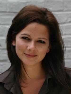 2006 Rachel Tozer 5 · By: Simon Desborough