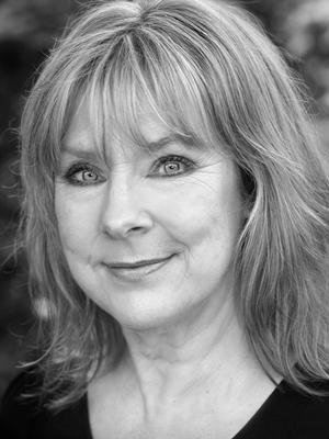 2014 Julie Edwards · By: Michael Pollard