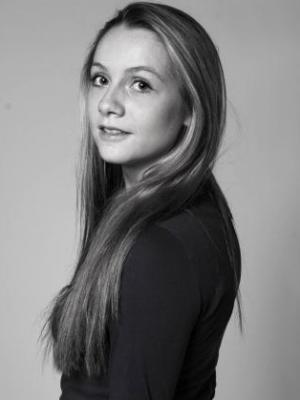 Holly Thompson