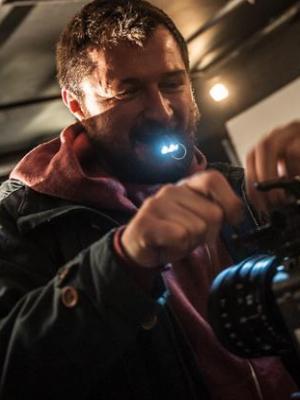 camera motion machine / assisting