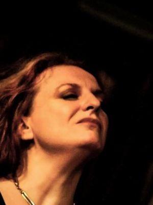 2014 Kerry Jo Hodgkin - Live · By: Caroline Greenwood