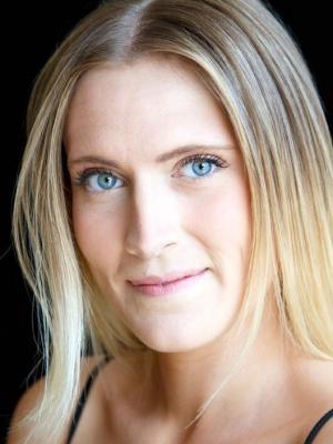 Lara Stirling