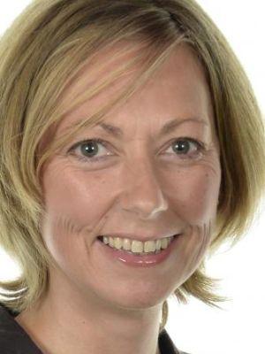 Melanie Carson