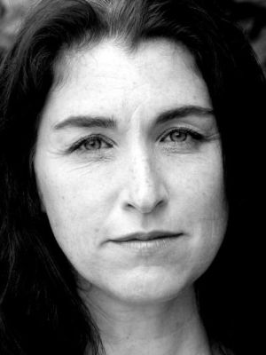 Georgiana Sept 2015 black and white2