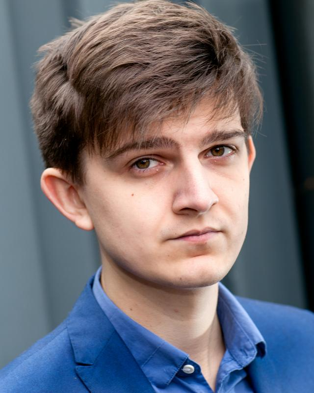 Tom Mannering Headshot
