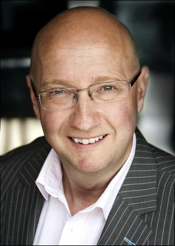 Scott Worsfold colour presenter