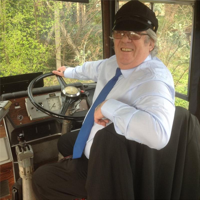 Mick the bus driver in 'On The Wagon'