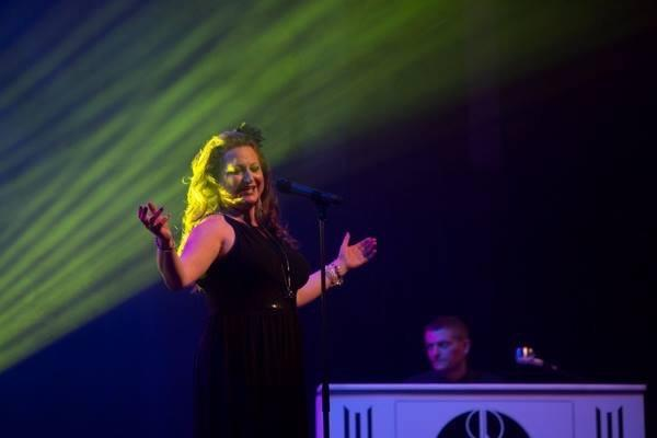 Singing Cilla Black with The Roy Orbison Story