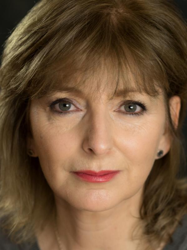 Lesley Molony headshot 2017