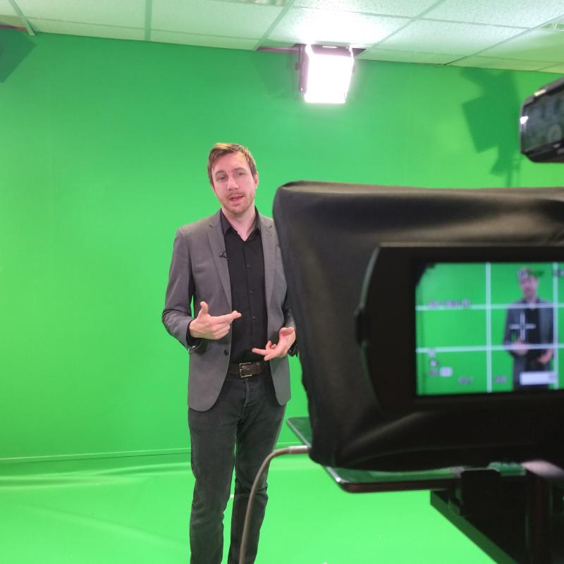 Presenting with Green Screen & Autocue