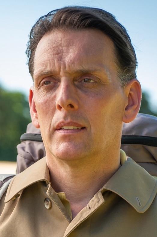 Sam Halpenny as Raymond in Raymond's 5