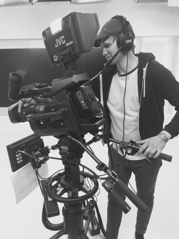 how to become a tv camera operator
