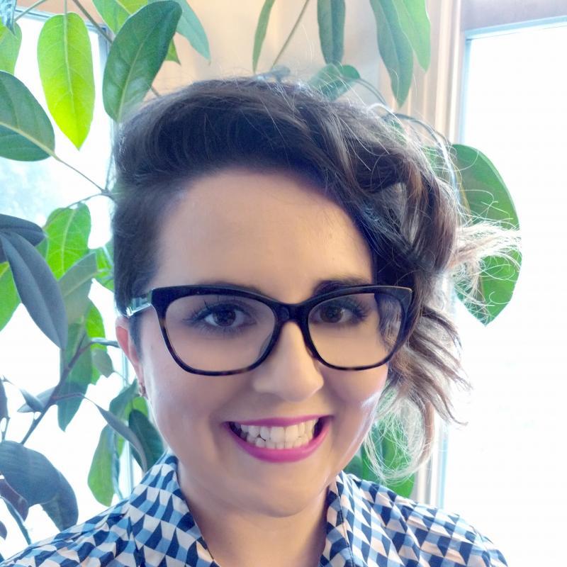 Christina Dinkel Headshot