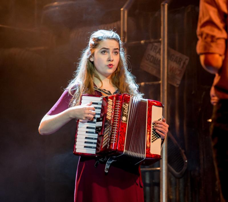 on- stage accordion
