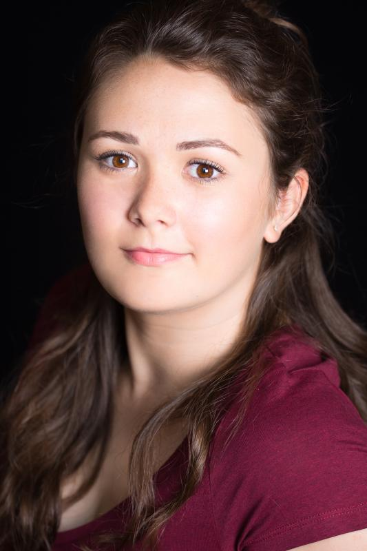 Headshot in colour- Alisha Dyer-Spence