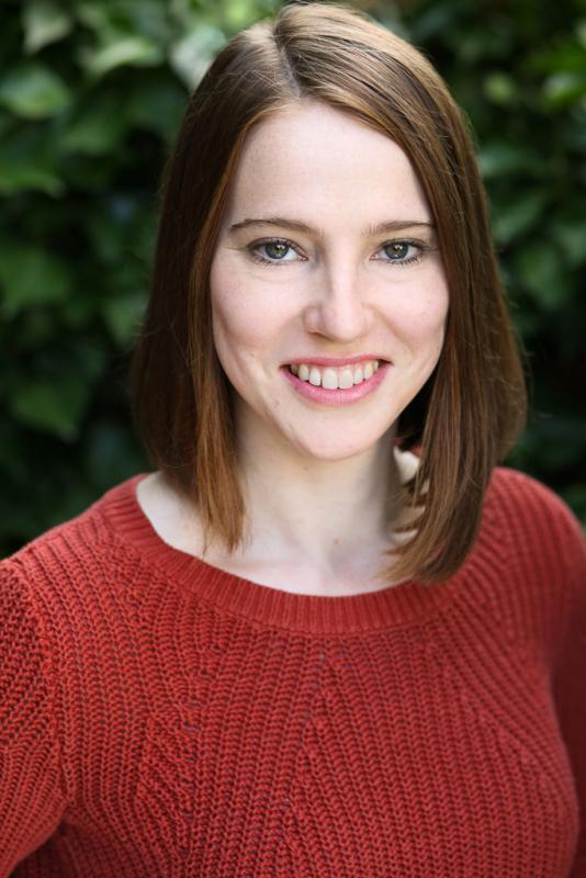 Sophie Dean Headshot