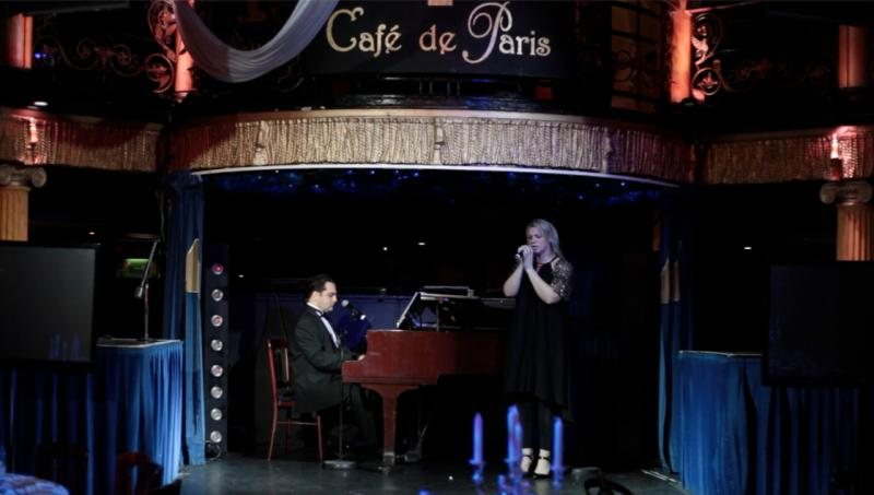 Cabaret Singer, Cafe de Paris