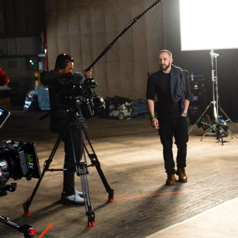 On set with OTRO