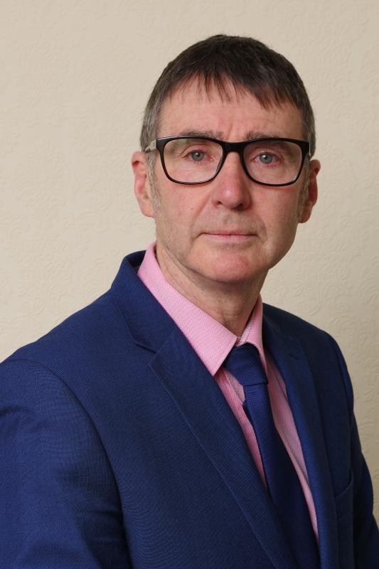 David Cruickshanks corporate image with glasses