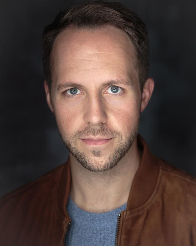 Peter Manchester Actor Singer Musician Headshot