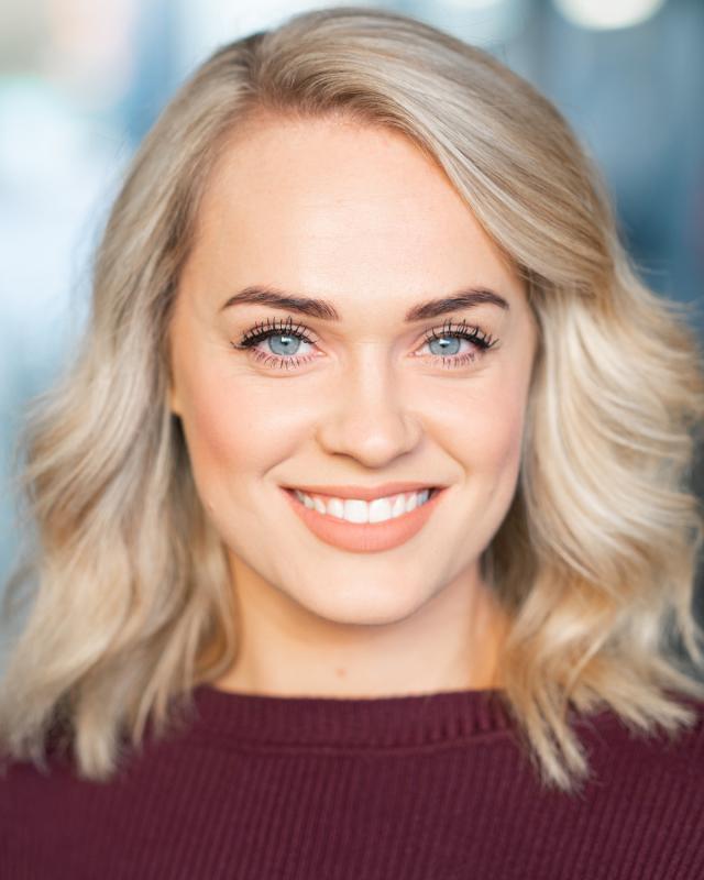 Stacey Leeson Headshot
