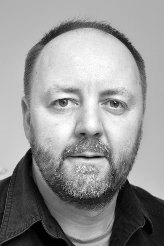 Iain Barton headshot