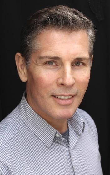 Robert Finlayson : Actor / Singer