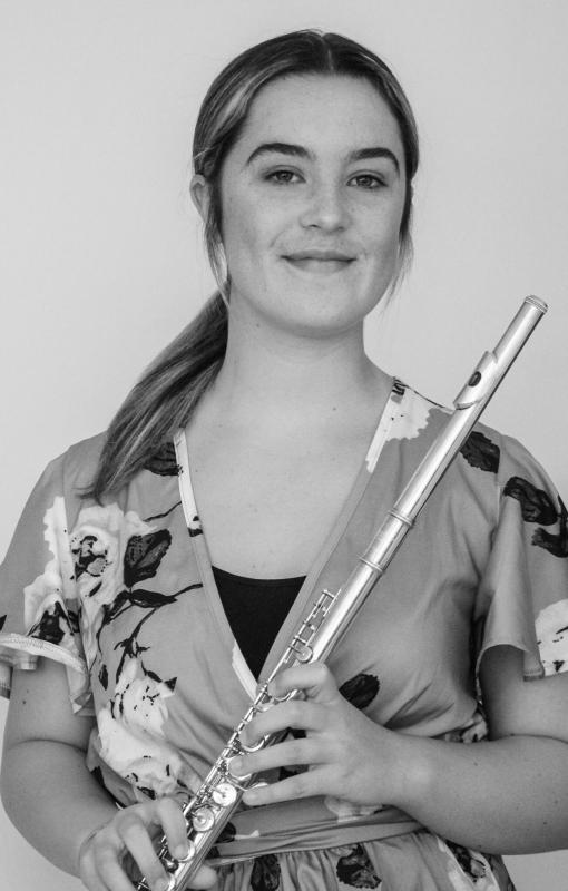 Sienna with flute 1
