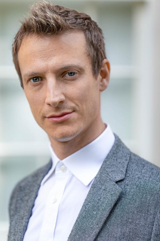 Alex Lipitch Professional Headshot
