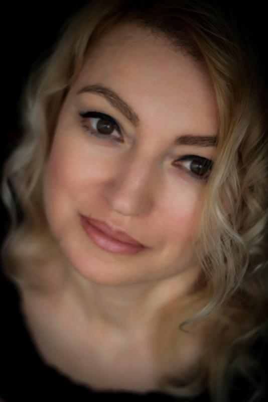 Suzana Trifkovic - portrait