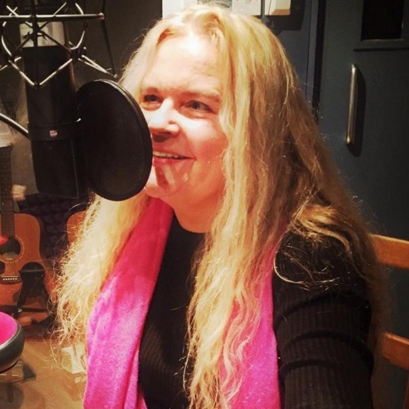 Anette Pollner voiceover live