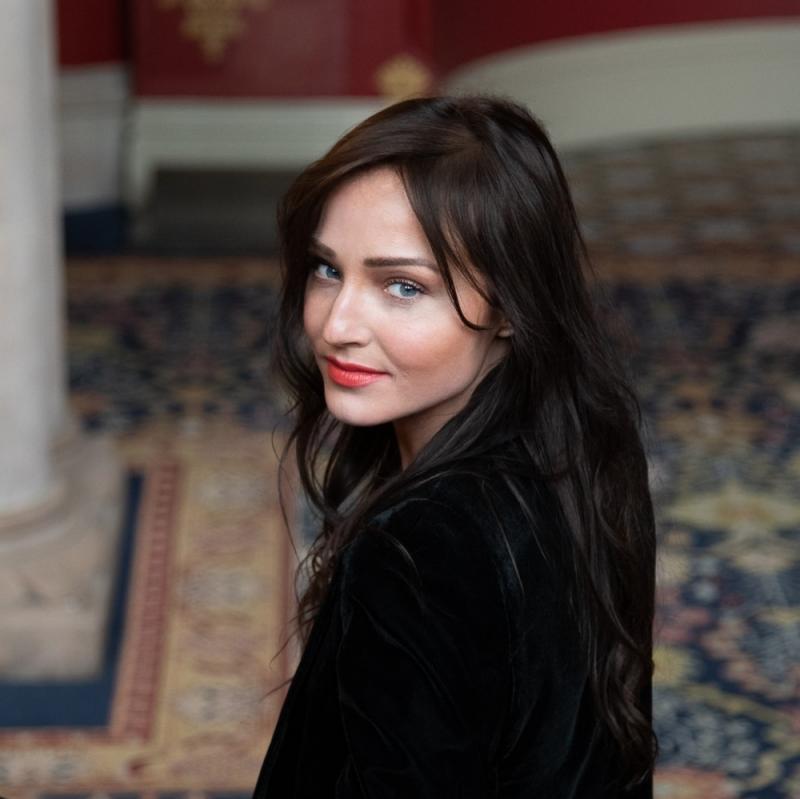 Staircase   Actor: Kaily O'Brien