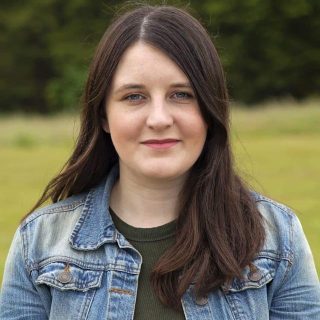 Amy Upton Headshot