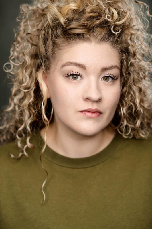 Emmy Stonelake - Headshot