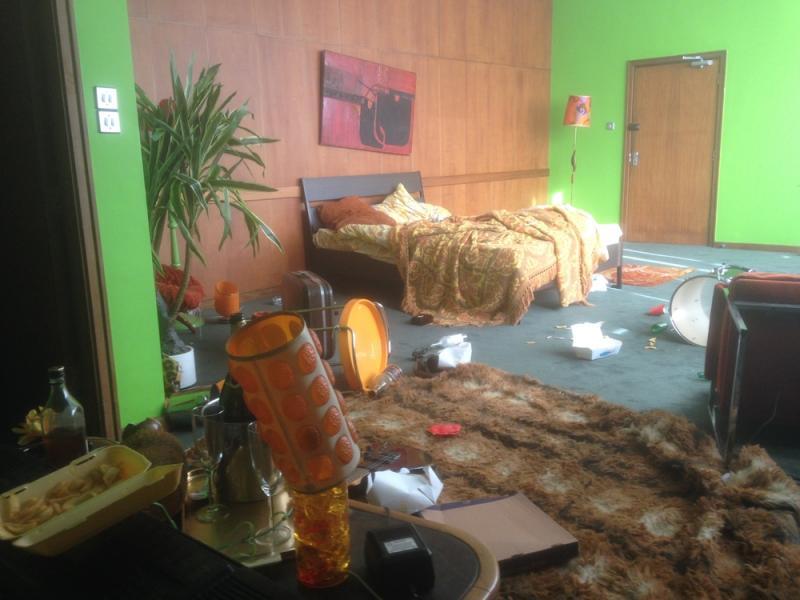 Redtop - Punk hotel set