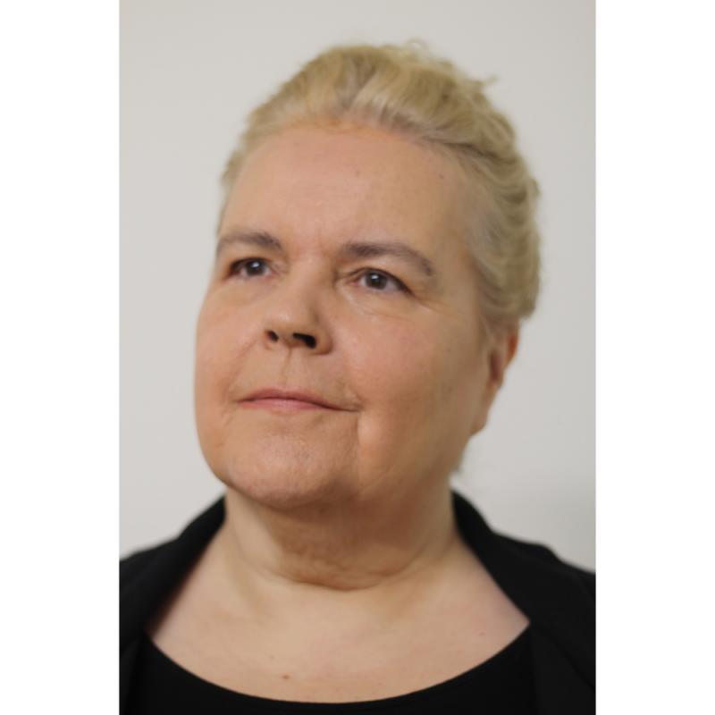 Anette Pollner professional headshot