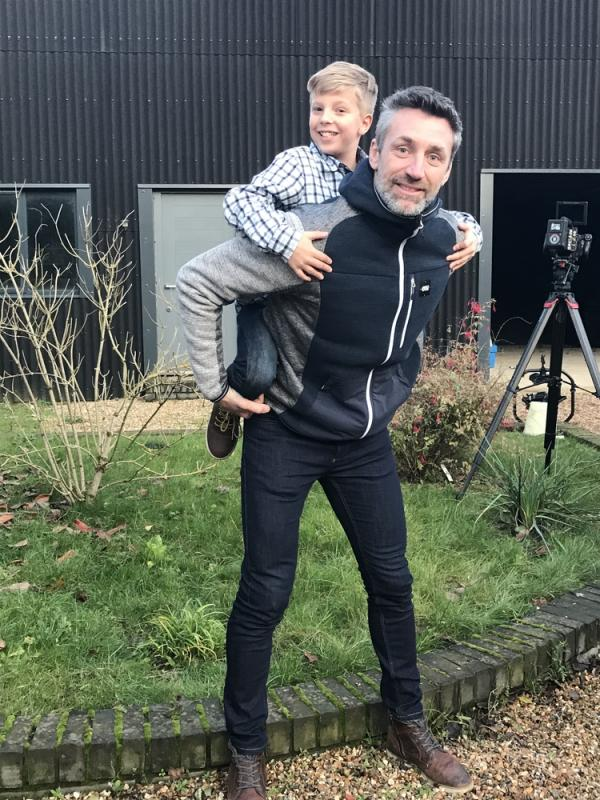 George on Landrover Discovery Set with 'screen' dad - Jerome