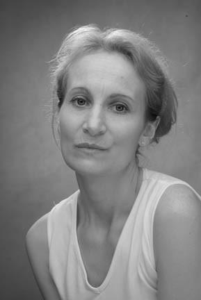 Julie Thursham Actress photo 3