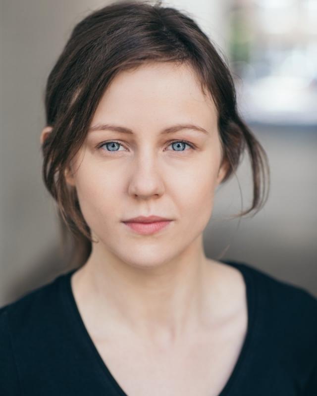 Holly Mallett - Headshot