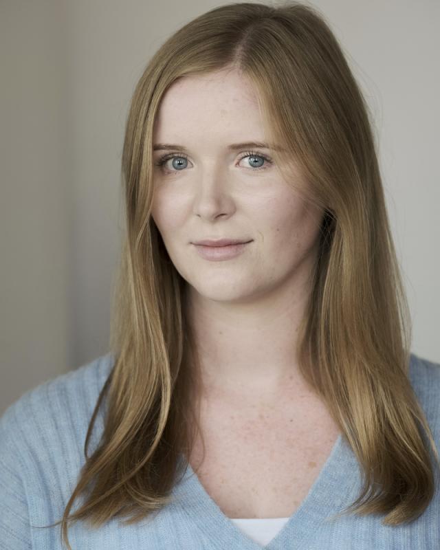 Gemma Simons Headshot