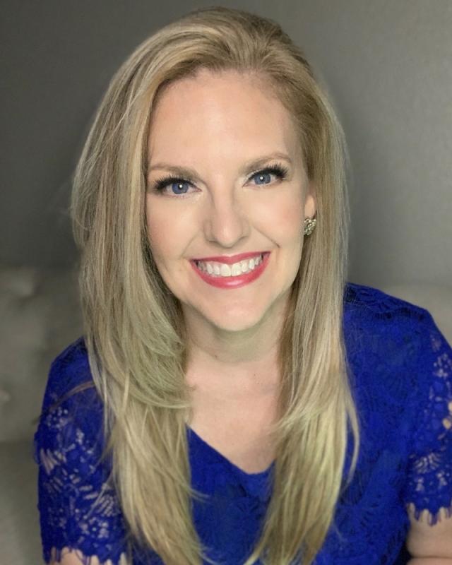 Courtney Perna headshot 3