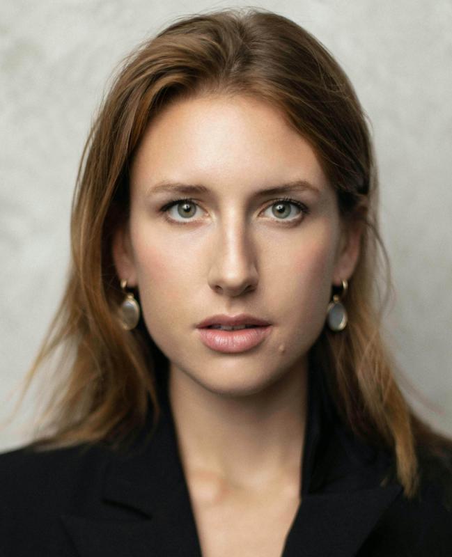Rebecca Baker Headshot